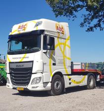 Odstavná plocha ABC Tractors