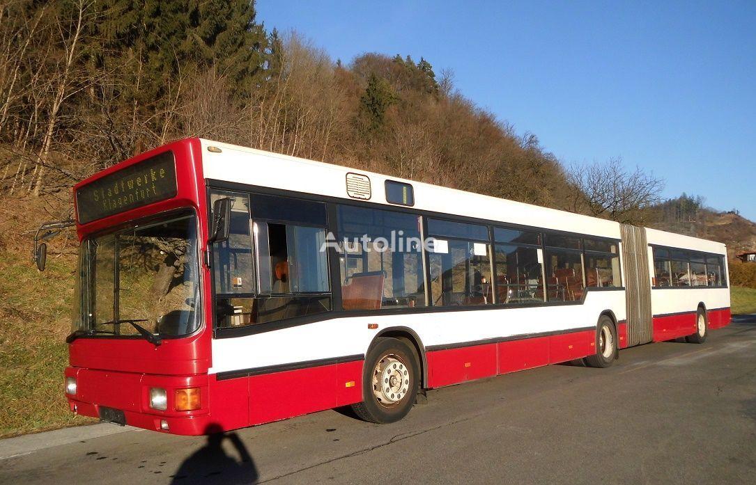 kloubový autobus MAN NG 272