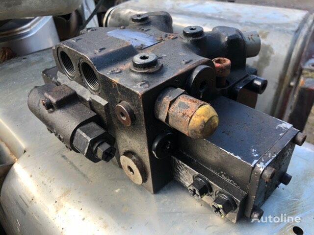 hydraulický rozvaděč MAN HYDRODRIVE VALVE BLOK /VENTIL (P/N: 81.67580-6105) pro tahače