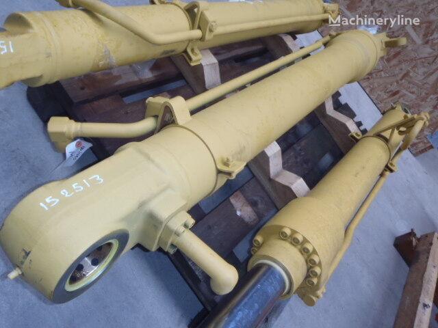 nový hydraulický válec pro bagru CASE CX330