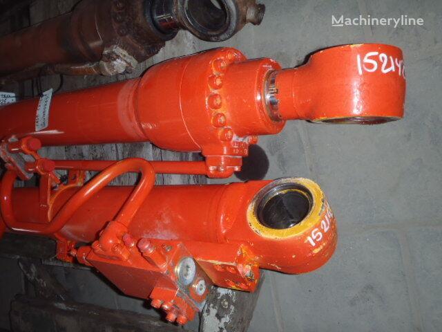 hydraulický válec pro bagru JCB JS200LC