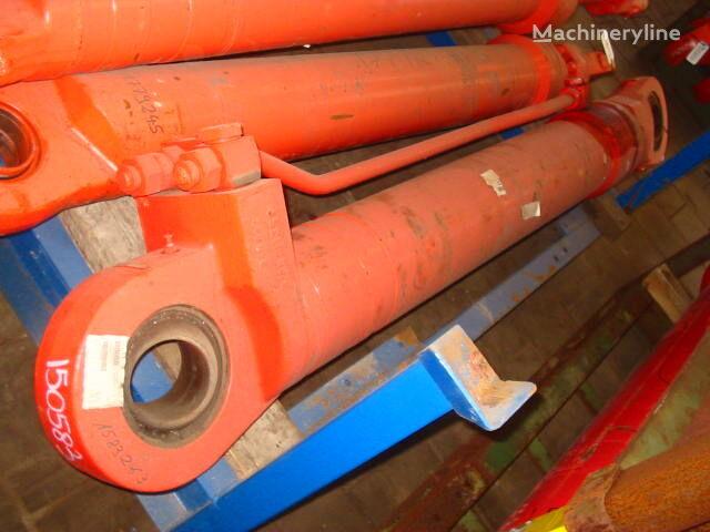 hydraulický válec pro bagru O&K