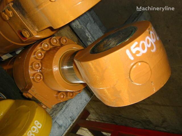 nový hydraulický válec pro bagru O&K