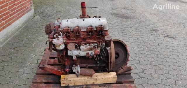 motor PERKINS 4.107 Defekt pro kombajnu DRONNINGBORG D900 pro díly