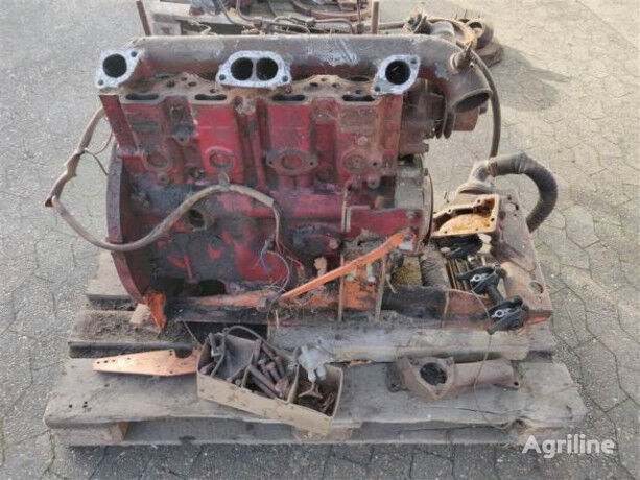 motor PERKINS 4.236 Defekt for parts pro kombajnu DRONNINGBORG D1200 pro díly