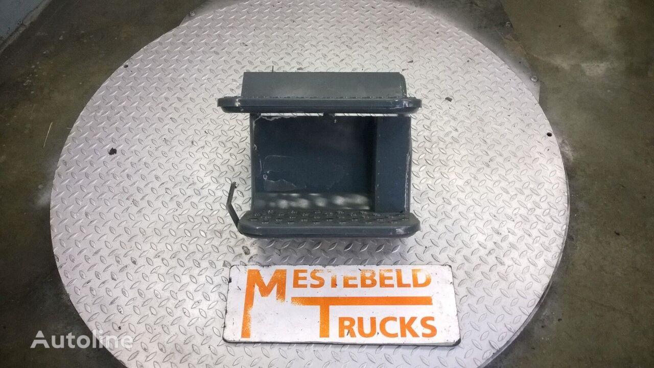 náhradní díly Opstapbak staal rechts IVECO pro nákladní vozidla IVECO