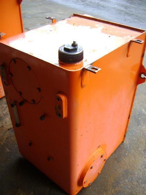 palivová nádrž FIAT Serbatoio SERBATOIO pro vysokozdvižného vozíku FIAT Hitachi W 270