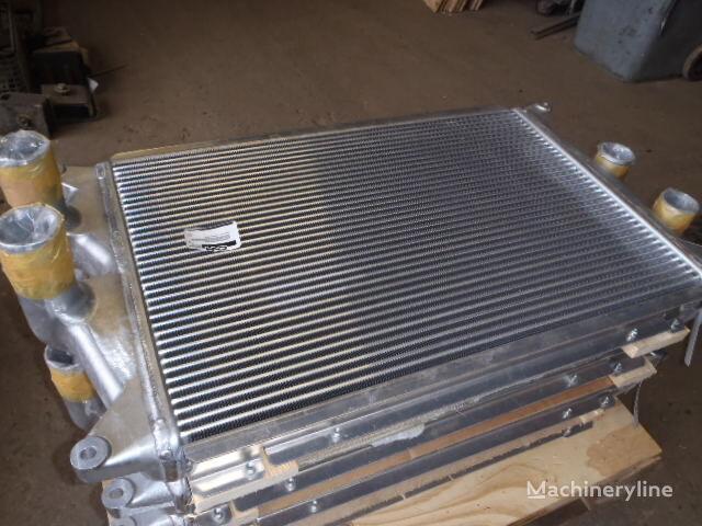 nový radiátor MITSUBISHI T.RAD 1456-082-1000 (357) pro bagru MITSUBISHI