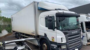 poškozený chladírenský nákladní vozidlo SCANIA P340