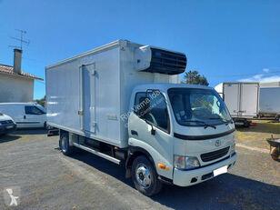 chladírenský nákladní vozidlo TOYOTA Dyna