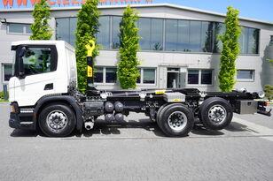 hákový nosič kontejnerů SCANIA P410 , E6 , 6X2 , 60k km , NEW HOOK 20T , steer / lift axle , Lo