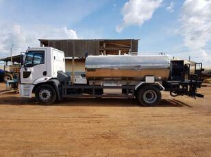 nákladní vozidlo cisterna FORD 1722