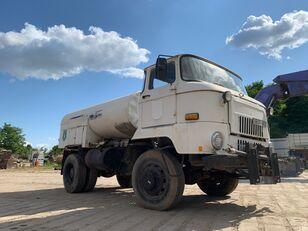 nákladní vozidlo cisterna IFA L 60 1218 4x4 DSK