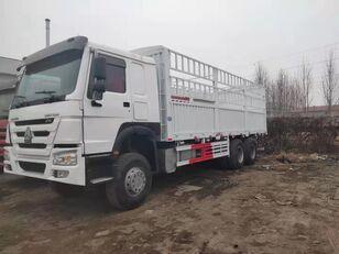 nákladní vozidlo furgon HOWO Cargo truck