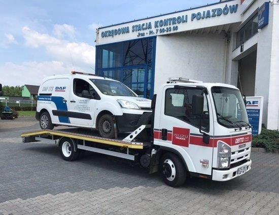 nákladní vozidlo furgon ISUZU L35 Adaptor Euro 5 EEV