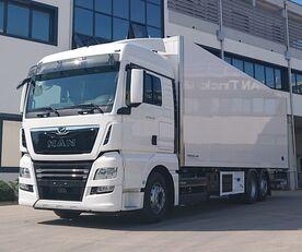 nové nákladní vozidlo izotermický MAN TGX 26.470 6X2-4 LL