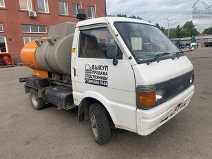 nákladní vozidlo na přepravu pohonných hmot NISSAN vanette