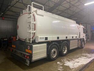 nákladní vozidlo na přepravu pohonných hmot VOLVO FM 420