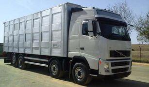 nákladní vozidlo na přepravu zvířat VOLVO FH16 520