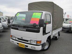 nákladní vozidlo plachta NISSAN Atlas