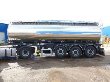 nový potravinářská cisterna SANTI SANTI-MENCI pishchevaya cisterna 24 kub.m/ 2 kamery , ves 5 600 kg