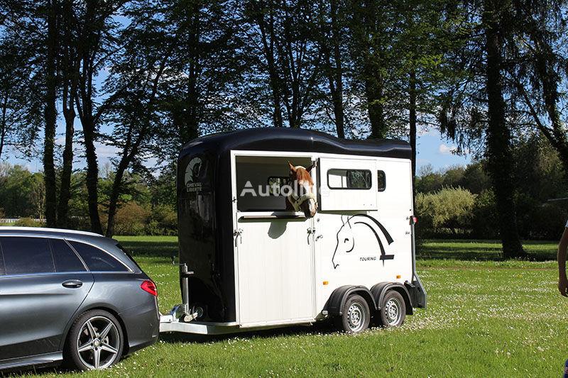 nový přívěs pro přepravu koní Cheval liberte Touring One + front gate