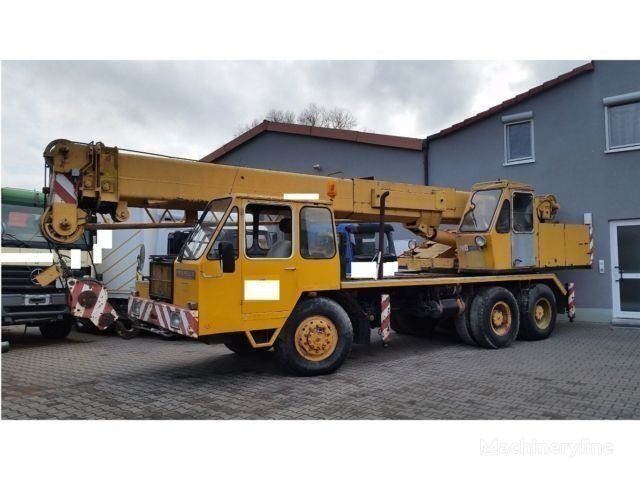 autojeřáb LIEBHERR Mobilkran LT1025-25t-Allrad 33 m 2x Seilwinde Kranwagen