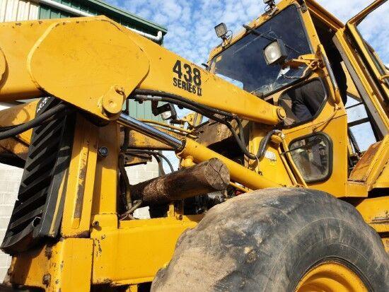 traktorbagr CATERPILLAR 438 SERIES II (EJES)