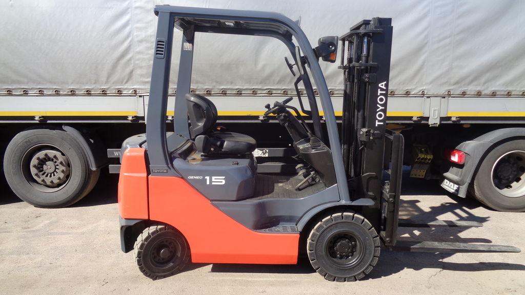 vidlicový vozík TOYOTA 02-8FG15