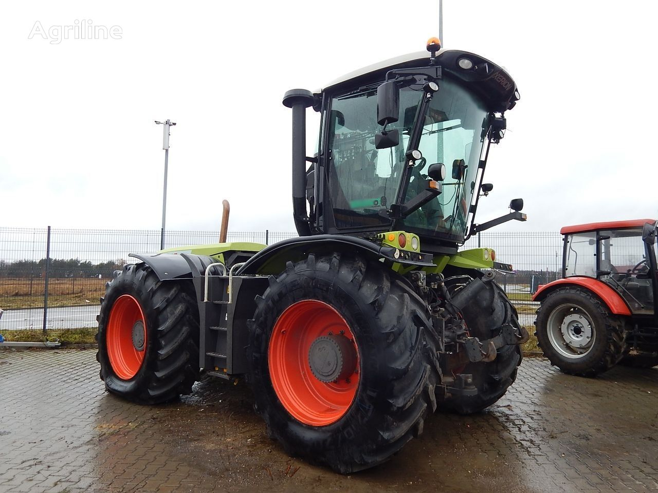 kolový traktor CLAAS AGRICULTURAL TRACTOR XERION 3800 TRAC VC