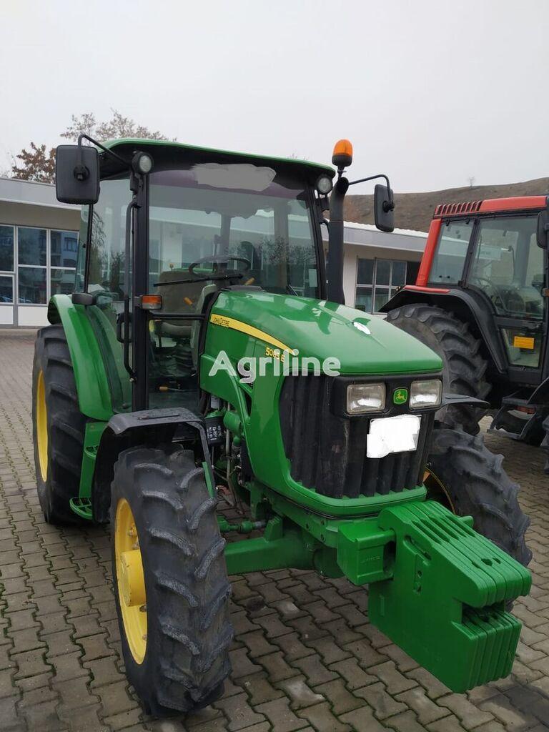 kolový traktor JOHN DEERE 5083