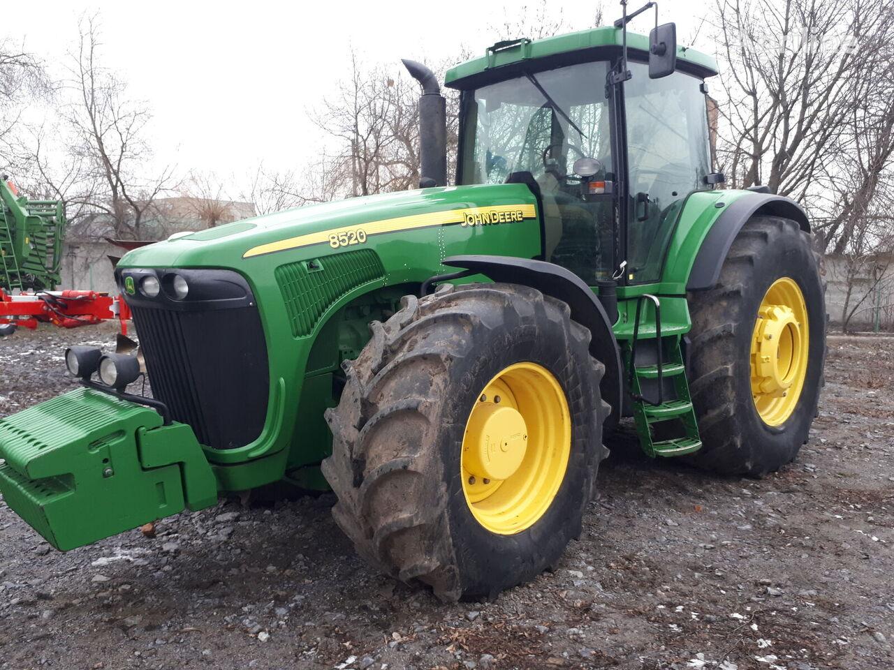 kolový traktor JOHN DEERE 8520 PowerShift