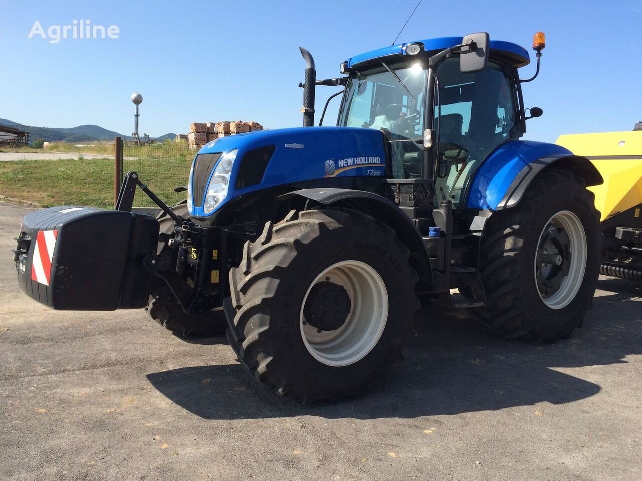 kolový traktor NEW HOLLAND T 7.270