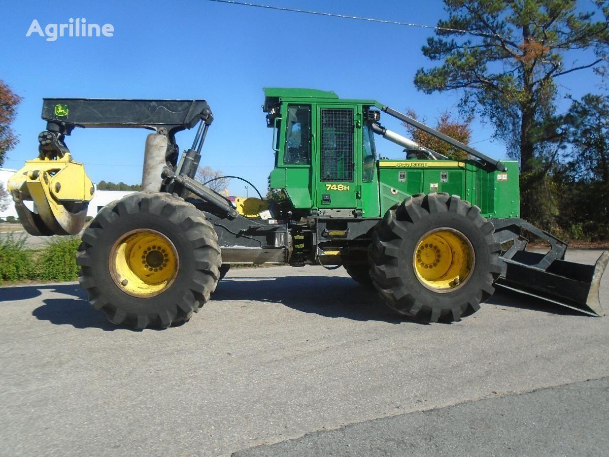 lesní traktor JOHN DEERE 748H