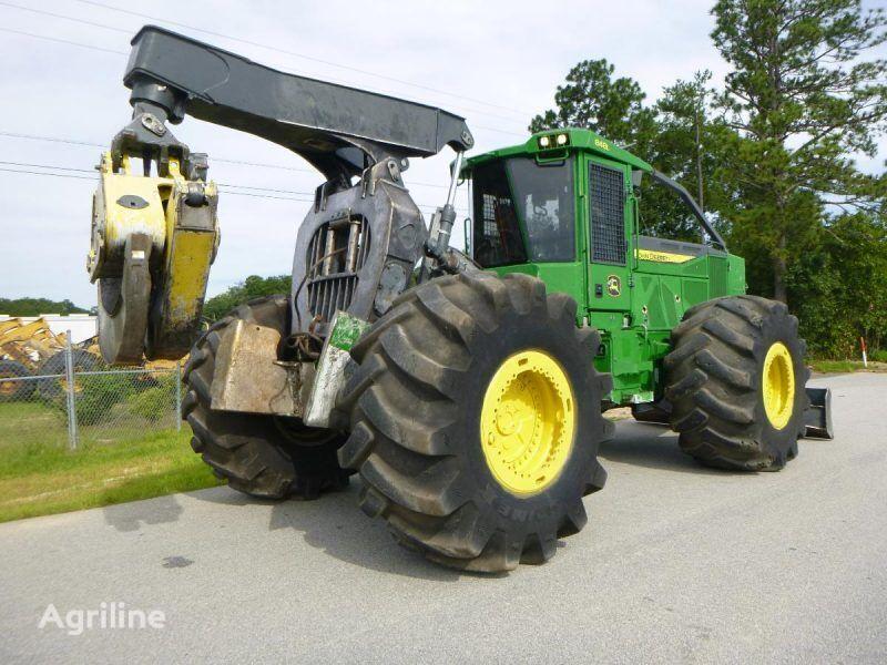 lesní traktor JOHN DEERE 848L