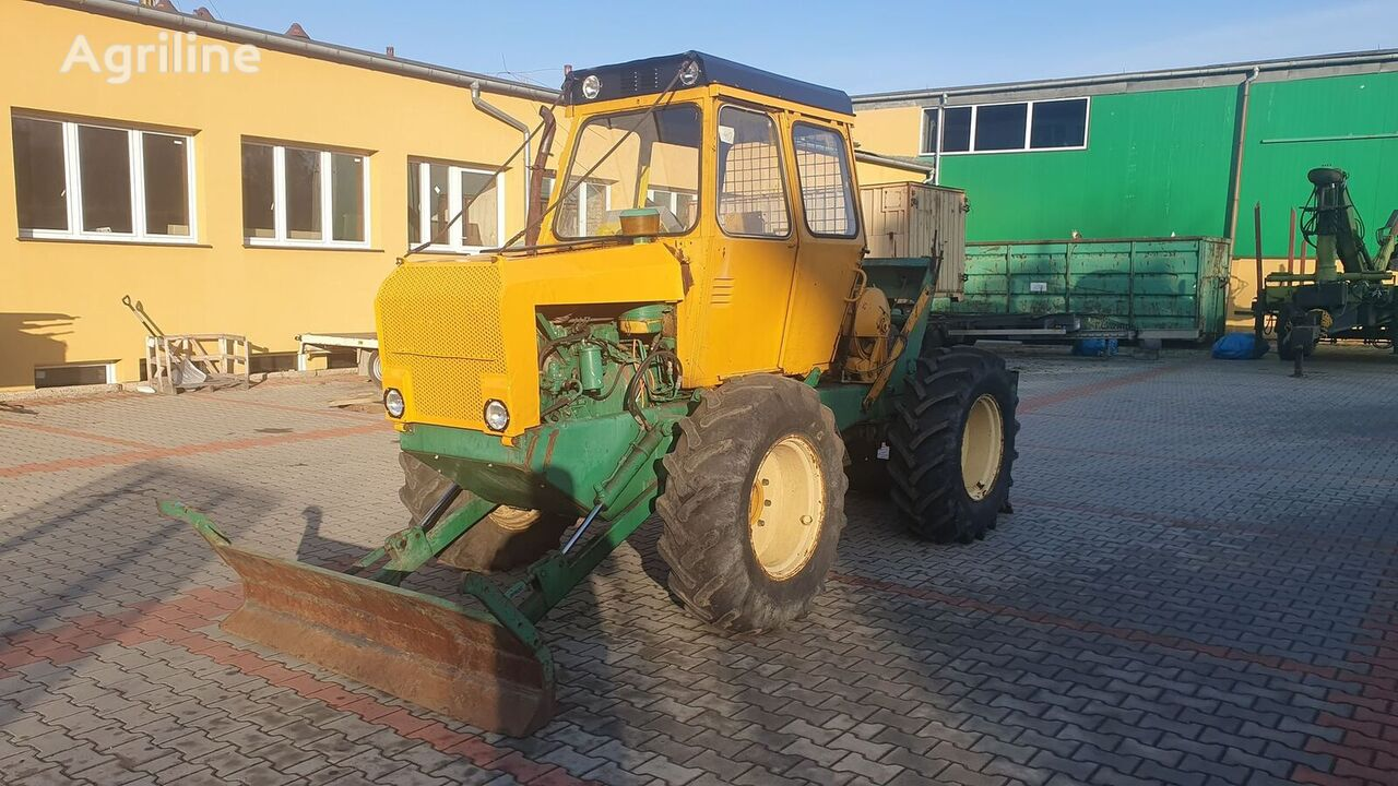 lesní traktor LPKT 40