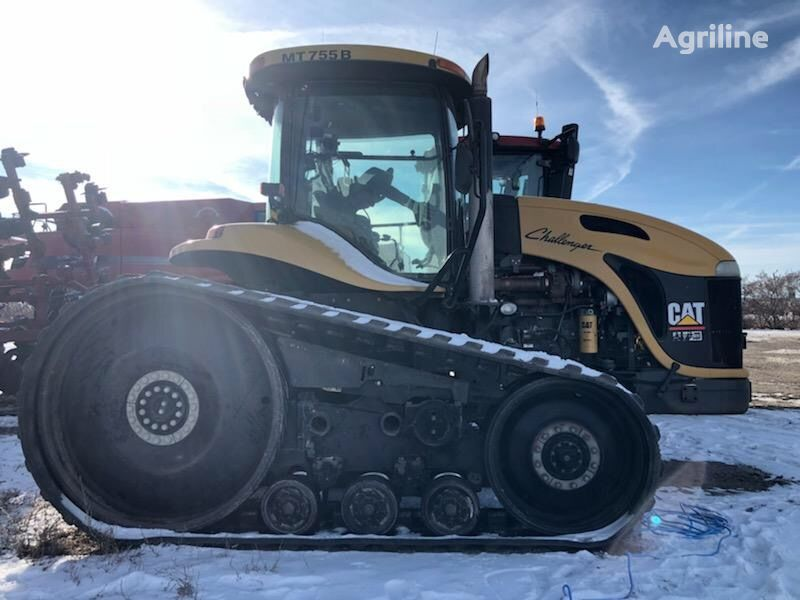 pásový traktor CHALLENGER 755B